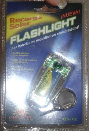 regale a los novios par de linternas solares recargables con llavero